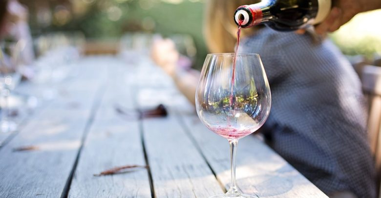 vino - bicchiere di vino